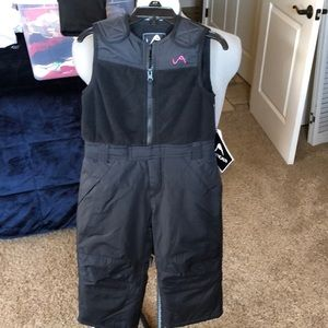 Girls Vertical'9 black bibs